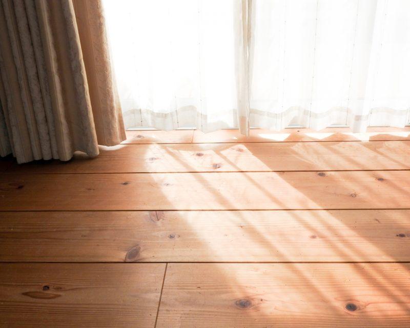 お気に入りのカーテンでお部屋を華やかにリノベーション